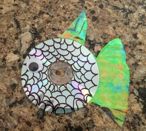 cd fish craft step 5
