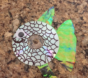cd fish craft step 6
