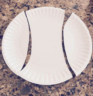 paper plate apple craft step 1