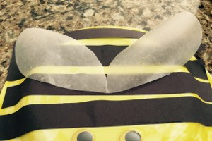 Easy Paper Plate Bee Craft