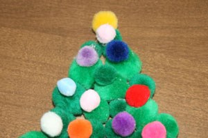 Pom Pom Christmas Tree Craft