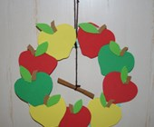 Cinnamon Apple Wreath Craft