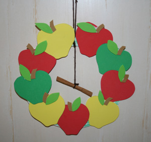 fall apple wreath craft