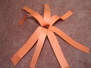 paper strip pumpkin step 1