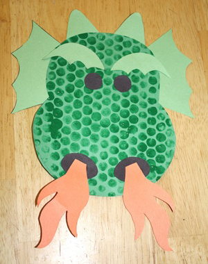 bubble wrap dragon craft