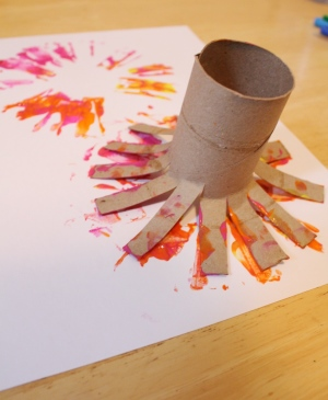 paper roll flower print craft step 3
