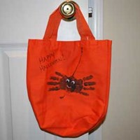 Handprint Spider Trick-or-Treat Bag