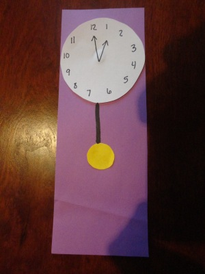 hickory dickory dock nursery rhyme clock