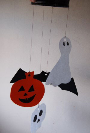 kids halloween mobile