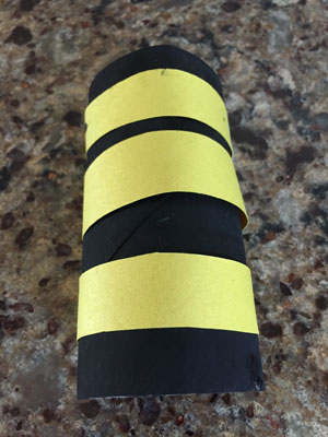 paper roll bumble bee craft step 4
